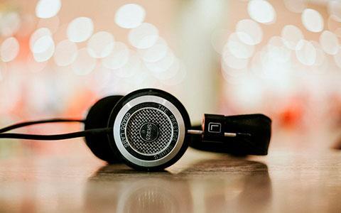 headphones-01