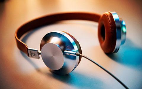 headphones-02
